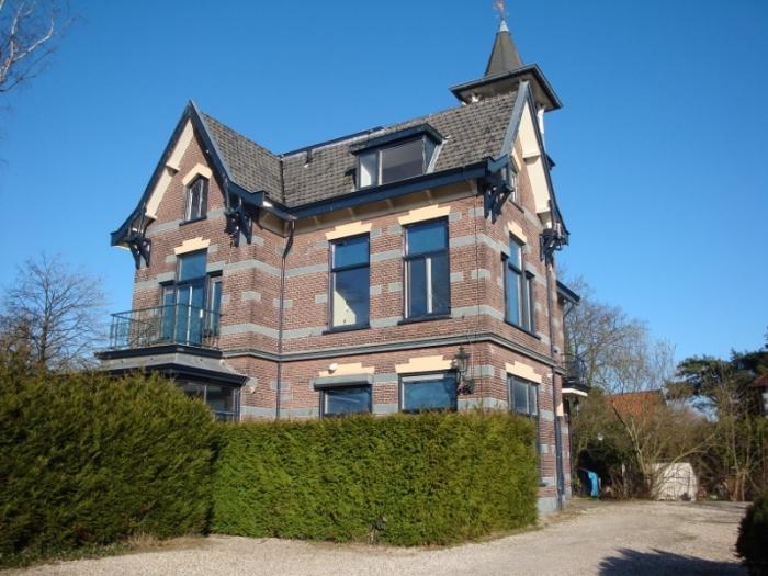 In een monumental pand te Hilversum een studio